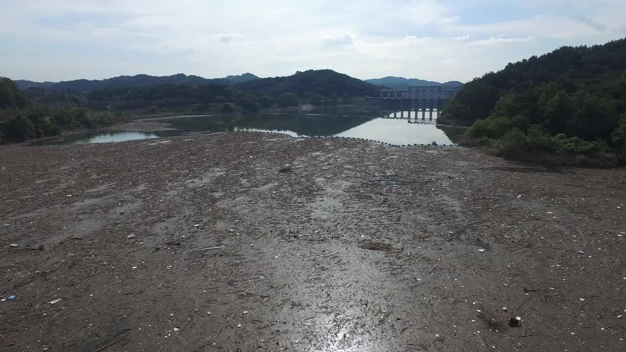 비만 오면 변신하는 댐들.1.jpg
