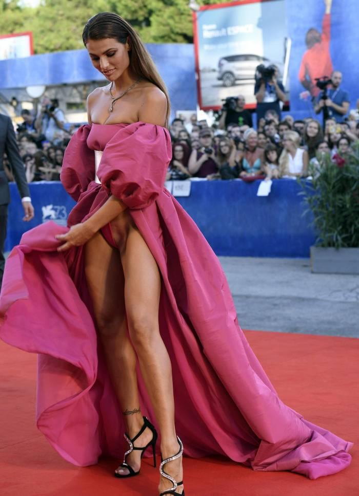 2016 베니스 영화제 과감한 드레스3.jpg