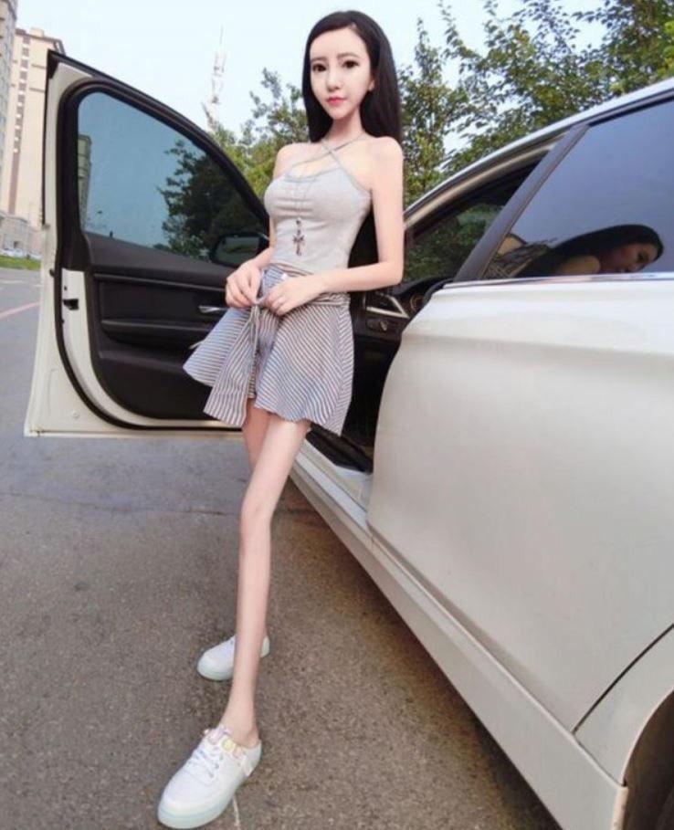 뽀샵의 끝을 달리는 중국 여인